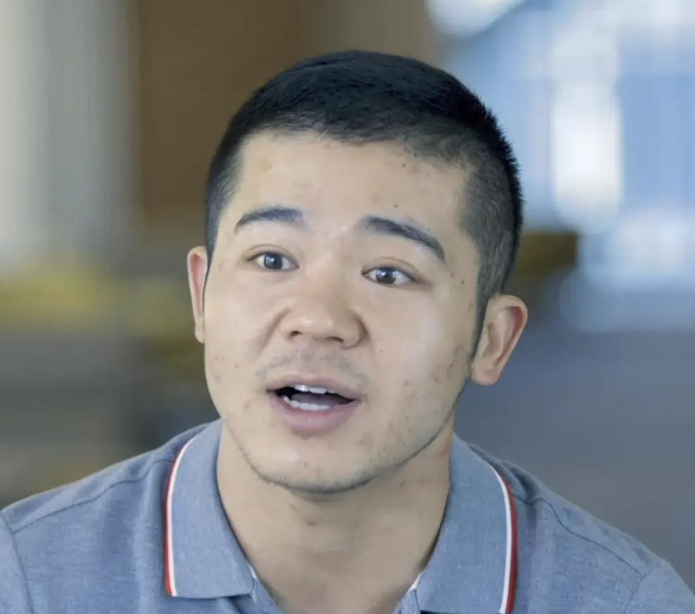 Goshun Zhang - Economics